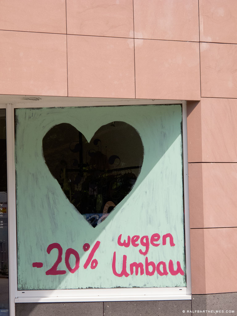 411-love-for-sale-frankfurt-foto